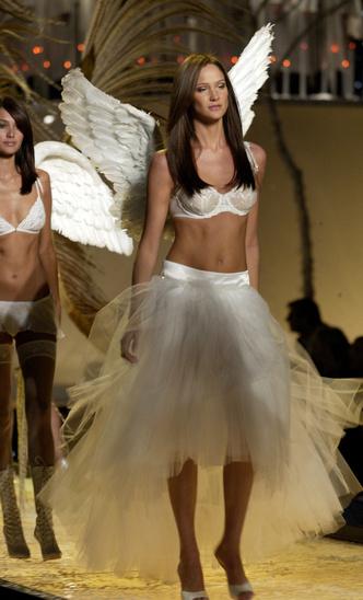 Фото №3 - Как выглядели ангелы на своем первом шоу Victoria's Secret