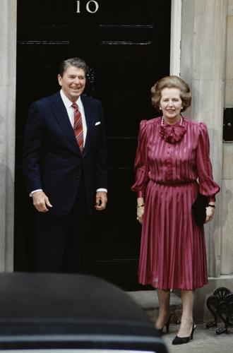 Фото №7 - «Дипломатия сумочки»: женщины в большой политике