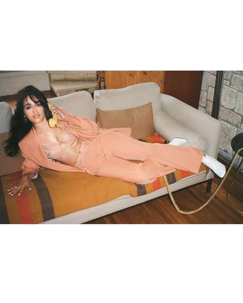 Фото №3 - Три разных образа на осень с оверсайз-пиджаком: показывает Камила Кабелло