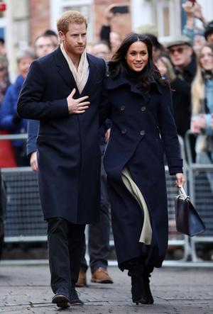 Фото №4 - Почему Гарри не берет Меган за руку в присутствии королевы