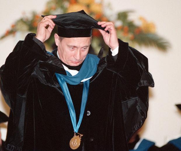 Владимир Путин в СПБГУ, 2000 год.