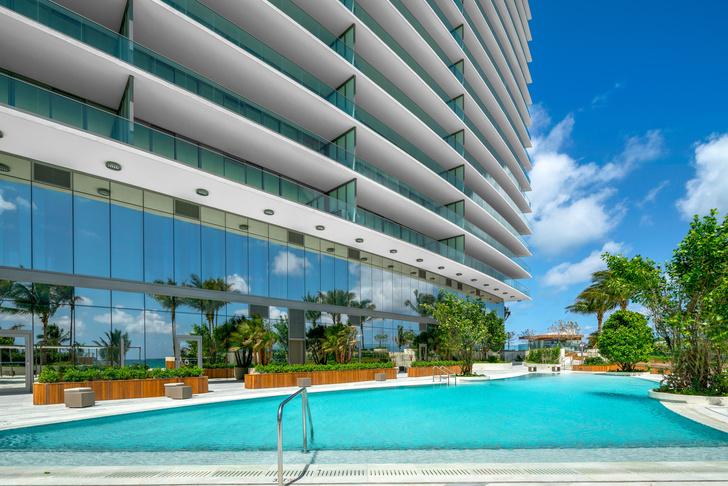 Фото №2 - Небоскреб по проекту Сезара Пелли и Джорджо Армани в Майами