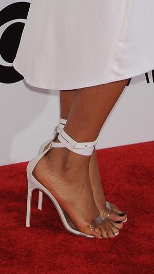 Фото №23 - Боль и слава: самая неудобная обувь звезд