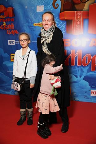 Ломоносова Ольга с детьми