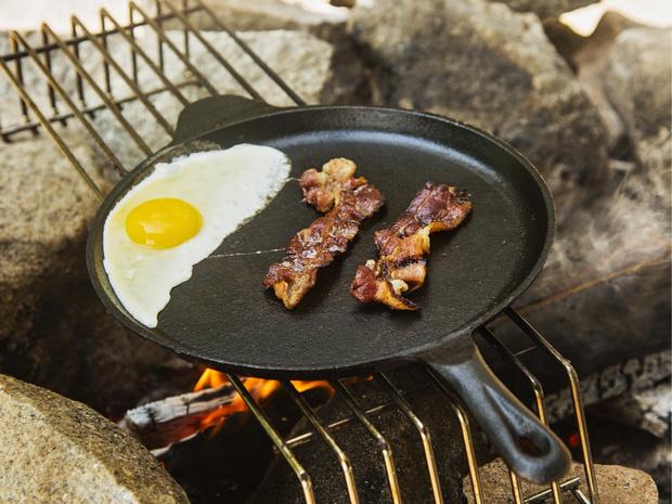 Фото №1 - Как приготовить яичницу вкусно и быстро