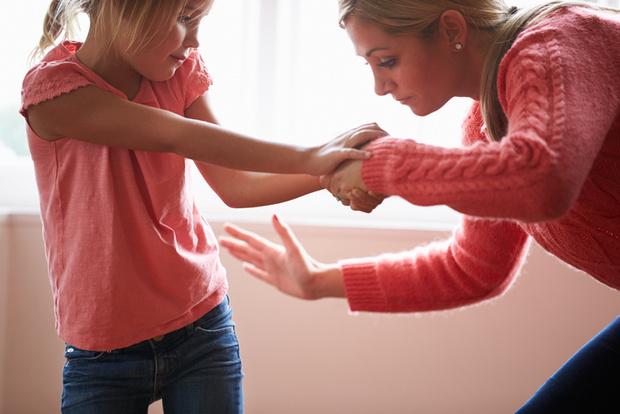 Фото №1 - Педагогично или нет: 5 спорных методов воспитания
