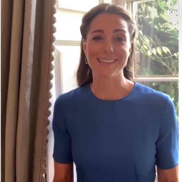 Фото №1 - Самое любимое платье в гардеробе Кейт Миддлтон. Она выходит в нем в свет в шестой раз