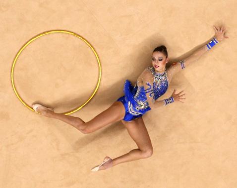 Фото №1 - Упражнения для ног от гимнастки Евгении Канаевой