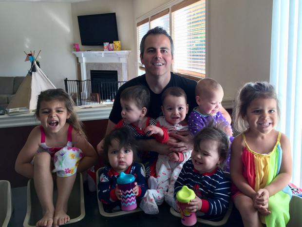 Фото №2 - «Мы хотели еще одного ребенка, а родились сразу пятеро»