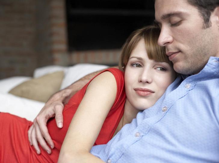 Фото №1 - Простой секрет долгих и счастливых отношений: как работает «правило 2-2-2»
