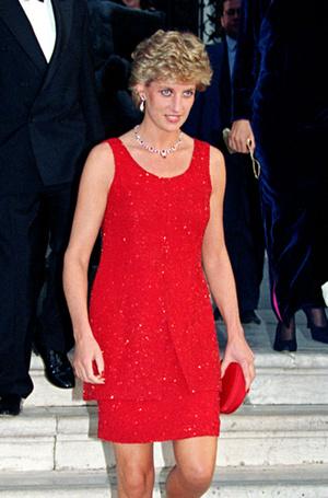 Фото №32 - 70 красных нарядов: как принцесса Диана носила любимый цвет