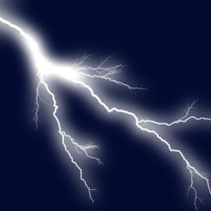 Фото №1 - Искусственные молнии запустили в небо
