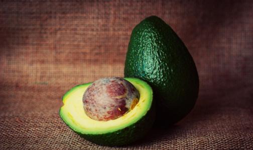 Фото №1 - Врач: авокадо защитит кожу в холодную погоду