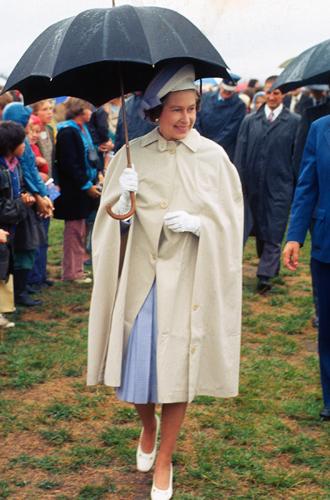 Фото №9 - Виндзорские зонтики: королевский способ спрятаться от дождя