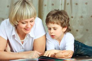 Фото №2 - Что и как читать ребенку от 0 до 5?