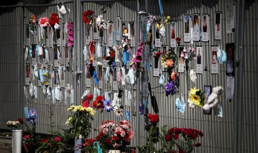 Фото №1 - Смольный передумал прятать стену памяти умершим медикам на Малой Садовой
