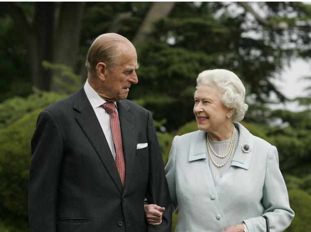 Фото №1 - Как изменятся жизнь и титул принца Филиппа, если он переживет Елизавету