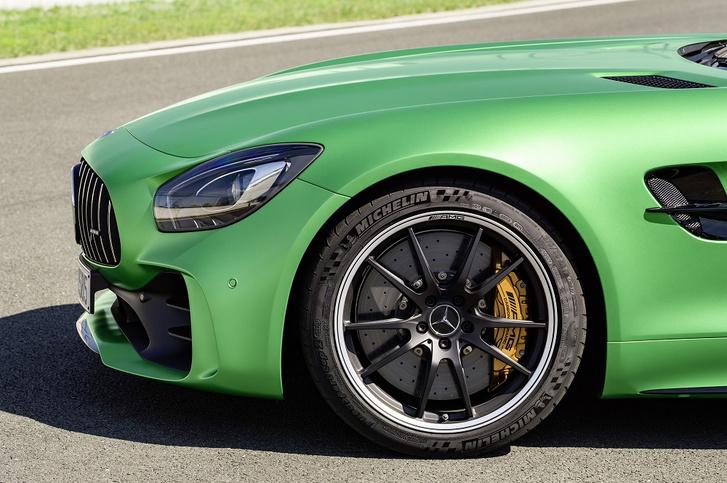 Фото №1 - Союзники: новые шины MICHELIN дополнят Mercedes-AMG GT R