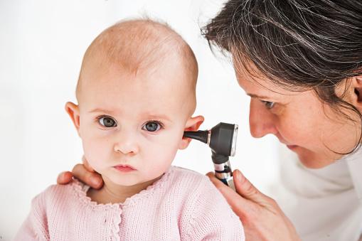 Можно ли вытащить пробку из уха в домашних условиях