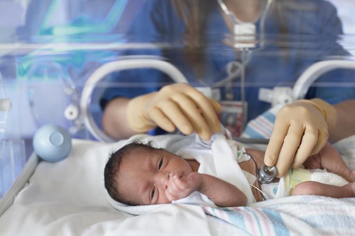 «Мой живот весил 30 кило»: мама девятерняшек третий месяц приходит в себя после родов