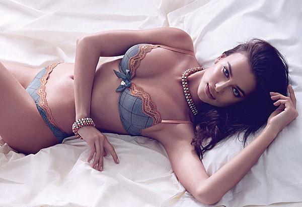 Фото №5 - Ирина Шейк показала сексуальное нижнее белье