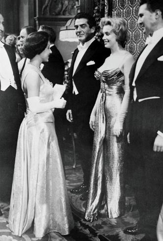 Фото №5 - Две королевы: как прошла единственная встреча Елизаветы и Мэрилин Монро