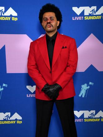 Фото №12 - MTV Video Music Awards 2020: лучшие и худшие наряды звезд на красной дорожке