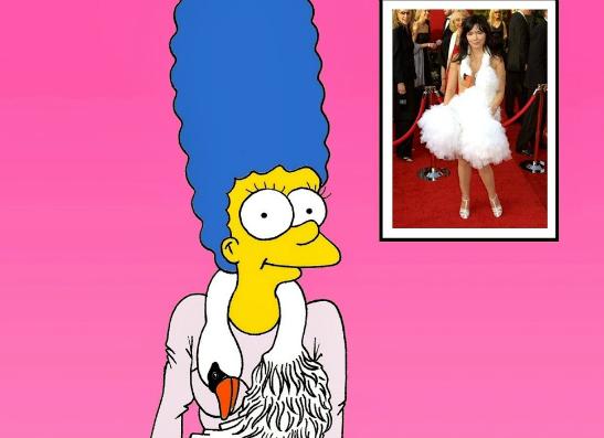Фото №1 - Блогер Александро Паломо переодел Мардж Симпсон в дизайнерские платья