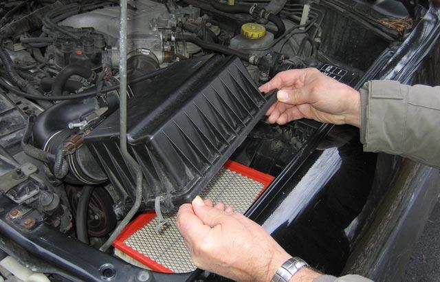 Фото №2 - 6 операций по обслуживанию автомобиля, которые ты можешь сделать сам
