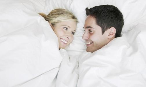 Фото №1 - Россиян просят воздержаться от поцелуев из-за вируса Зика