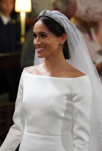 Фото №11 - Почему свадебное платье принцессы Евгении было удачнее, чем у Меган Маркл