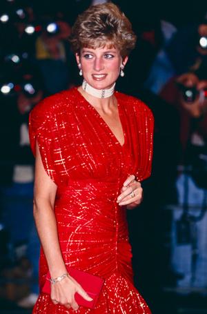 Фото №19 - 70 красных нарядов: как принцесса Диана носила любимый цвет