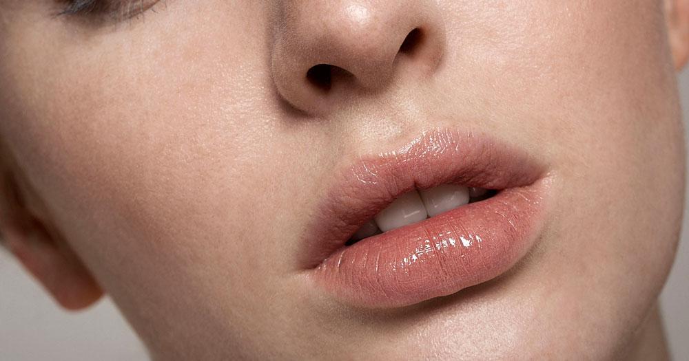 Почему губы белые и сухие