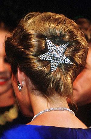 Фото №6 - Не все то золото: как принцесса Диана выдавала дешевую бижутерию за дорогие украшения