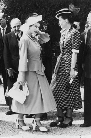 Фото №6 - Дизайнер Елизаветы II: как Норман Хартнелл установил правила королевского стиля