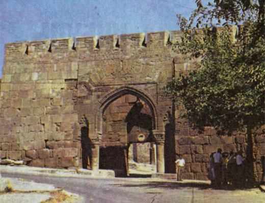 Фото №1 - Древние ворота