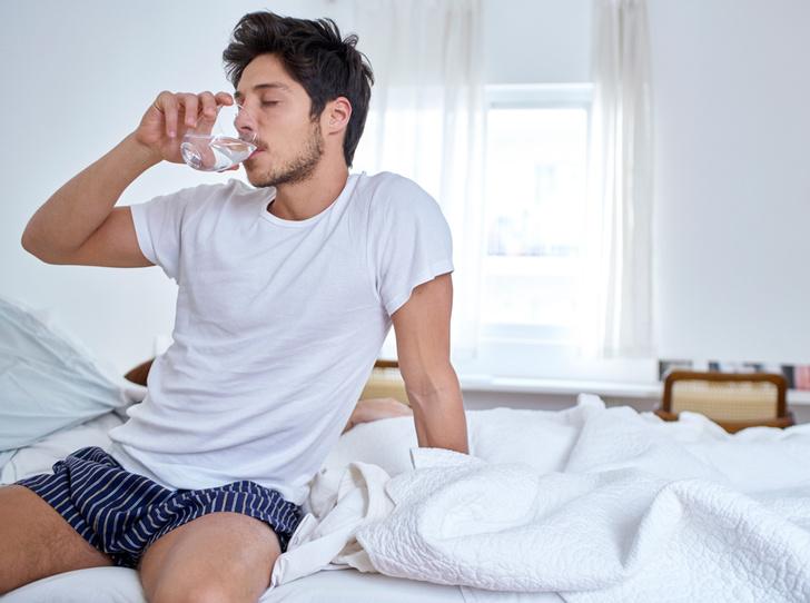 Фото №8 - Утро добрым не бывает: 8 распространенных мифов о похмелье
