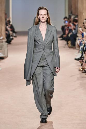 Фото №8 - Вместо джинсов: модные брюки осени и зимы 2020/21