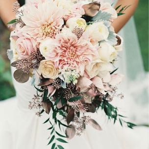 Фото №4 - Тест: Выбери букет, и мы скажем, где пройдет твоя свадьба