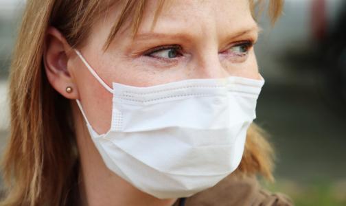 Фото №1 - Пенсионеры и малообеспеченные петербуржцы получат деньги на защитные маски и перчатки
