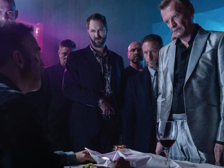 Фото №11 - Что еще посмотреть, если тебе понравился фильм «Майор Гром: Чумной доктор» 🔥