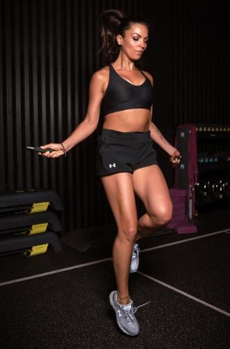 Фото №2 - Домашние тренировки: как заниматься спортом без инвентаря