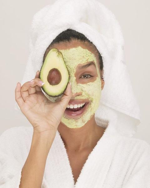 Фото №1 - Не хуже корейских: 5 рецептов домашних масок для лица