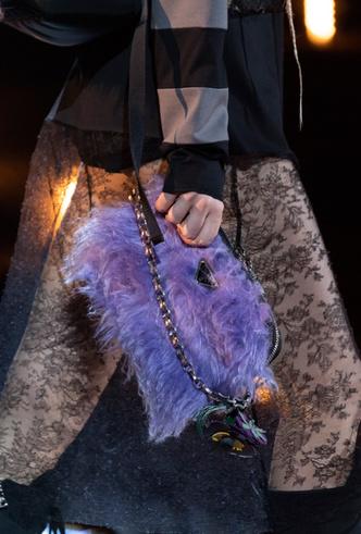 Фото №15 - Самые модные сумки осени и зимы 2019/20