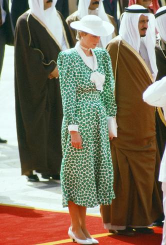 Фото №4 - Платье напрокат: 8 культовых нарядов, которые Диана одалживала другим