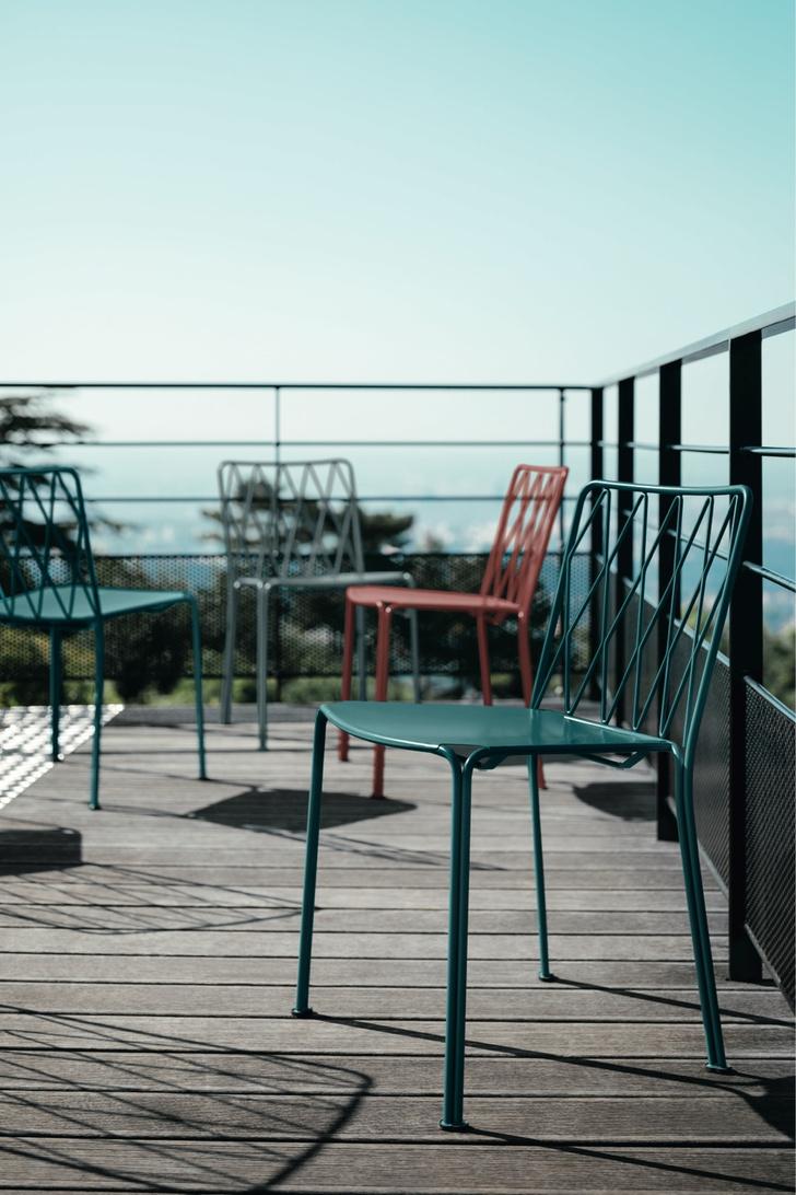 Фото №8 - Зеленый оазис: мебель и аксессуары для балконов и террас