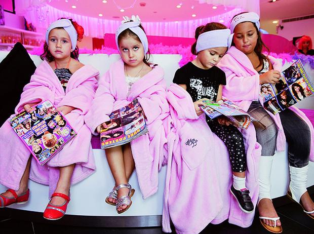 Фото №5 - Культ красоты: почему все девочки-подростки в Ливане делают ринопластику