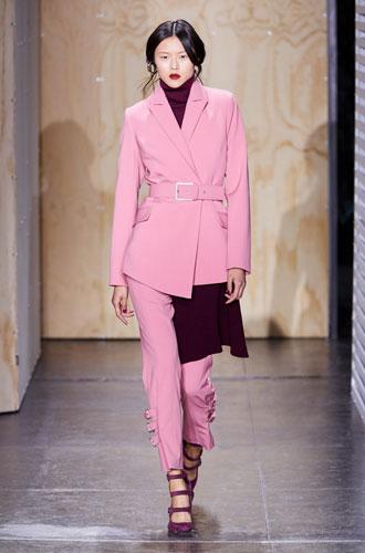 Фото №20 - От классики до сочных красок: лучшие костюмы с Недели моды в Нью-Йорке