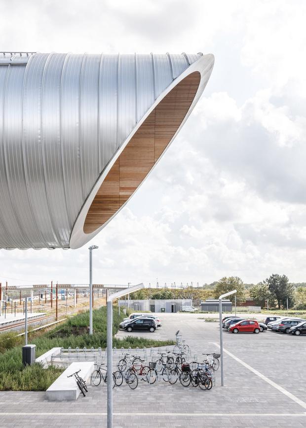 Фото №6 - Изогнутый пешеходный мост в Дании