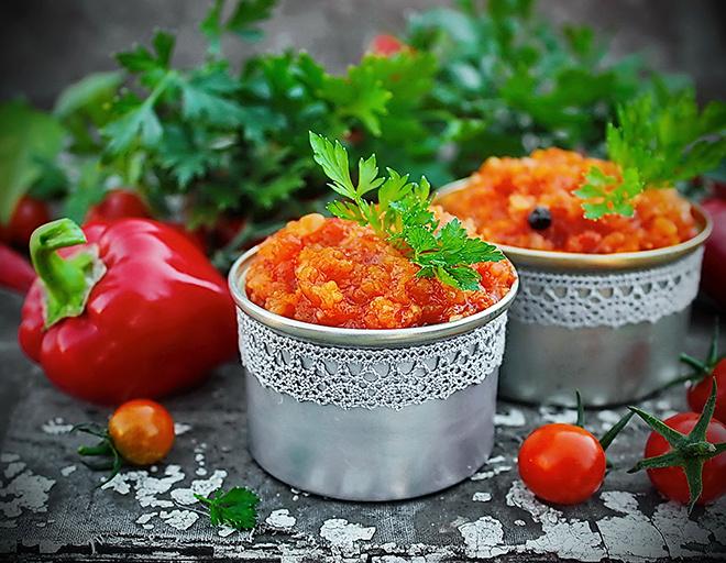 Овощная аджика с перцем и кабачками